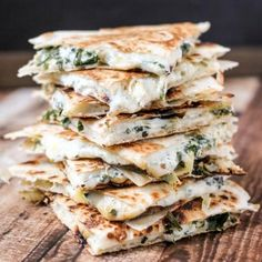 We all need the Best Quesadilla Recipes in our lives! Quesadillas are a total crowd pleaser and oh so easy to make. Delicious for parties and meals! Best Quesadilla Recipe, Vegetarian Quesadilla, Quesadillas, Mexican Food Recipes, New Recipes, Vegetarian Recipes, Cooking Recipes, Skillet Recipes, Cooking Tools