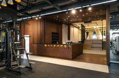 카페같은 편안한 감성의 인더스트리얼 피트니스센터 인테리어 300평 정도의 피트니스센터 인테리어입니다. ... Gym Interior, Interior Design, Gym Design, Sport Design, Fitness Design, School Design, Gym Room, Bath And Beyond Coupon, Sport Photography