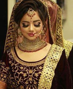 10 Perfect Bridal Makeup Trends For This Wedding Season - Pakistani Bridal Hairstyles, Bridal Hairstyle Indian Wedding, Indian Bridal Photos, Pakistani Bridal Makeup, Indian Wedding Bride, Bridal Hair Buns, Indian Hairstyles, Bride Hairstyles, Bridal Lehenga