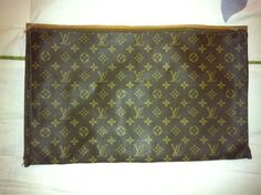 Authentic Louis Vuitton Large Cosmetic Bag / Toiletry Clutch Vintage $198.00