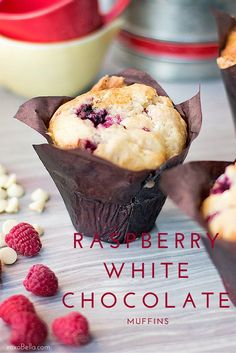 Raspberry White Chocolate Muffins I made these muffins a few months ago and I am still thinking about how good they were. These raspberry white chocolate muffins are simply amazing! Raspberry And White Chocolate Muffins, Raspberry Muffins, Raspberry Recipes, Raspberry Ideas, White Chocolate Desserts, White Raspberry, Muffin Recipes, Baking Recipes, Best Muffin Recipe