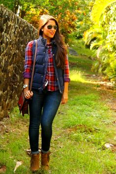 23 Women's Vests And Outfit Ideas For Winter Today I have brought in a spectacular and amazing post of Women's Vests And Outfit Ideas For Winter. Today is your lucky day, as I am Plaid Shirt With Vest, Plaid Shirt Women, Flannel Outfits Summer, Plaid Shirt Outfits, Plaid Shirts, Winter Outfits, Vest Outfits For Women, Clothes For Women, Work Outfits