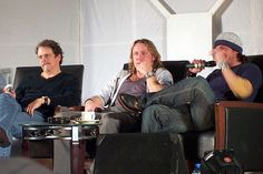 https://flic.kr/p/7kM1WS | Keith Szarabajka, Steve Carlson & Christian Kane images from starfury convention Not Fade Away  May 14, 2006 credit for pic goes to the person who posted to flickr