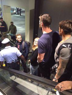 Tom Hiddleston and Chris Hemsworth arriving in Philadelphia for Wizard World 2016