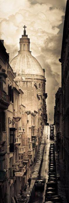 Old Mint Street, Valletta, Malta #Valletta #Malta http://www.simonmamo.com/