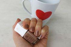 CC-Nagellacke von alessandro | PerfectHair.ch Nail Tutorials, Nail Art, Trends, Mugs, Nails, Tableware, Beauty, Finger Nails, Dinnerware
