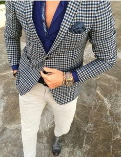 Look at these classy mens fashion 5839 Classy Suits, Classy Men, Blazer Outfits Men, Moda Formal, Herren Outfit, Mens Fashion Suits, Mens Suits, Suit And Tie, Well Dressed Men