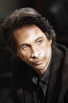 Det. John McBain  aka  Michael Easton  LOVE HIM!!!!!!!!!!!!!!!!!!! His hair is ALWAYS perfect<3<3<3