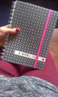 Bullet journal... Pour une meilleure organisation ! Blog Organisation, Organization Bullet Journal, Planner Organization, Organizing Tips, Bullet Journal Décoration, Creating A Bullet Journal, Filofax, Bujo, Notebook Art
