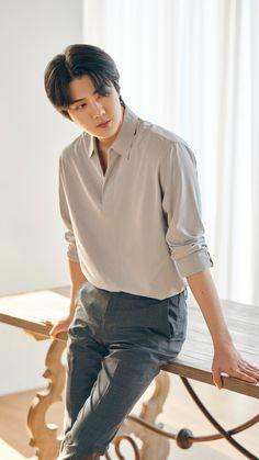 Baekhyun Chanyeol, Korean Fashion Men, Mens Fashion, Luhan And Kris, Exo Lockscreen, Kpop Exo, Kpop Guys, Stylish Men, Office Outfits