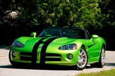 My and only Dream Car the Dodge Viper! I would have it in blue with sliver racing stripes instead but still my Dream Car since I was little :) Us Cars, Sport Cars, Dc Fix, Ferrari F430, Lamborghini, Dodge Viper, Racing Stripes, Drag Cars, My Dream Car