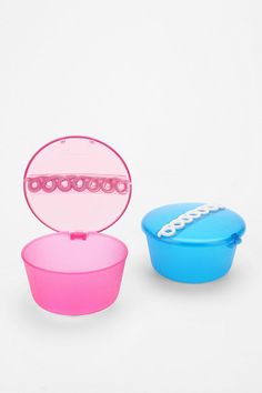 #UO Cupcake Snack-tainer, $4
