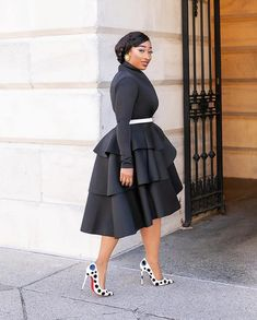 So yes you don't have to break a bank to slay but if we can be honest, good stuffs including good fashion doesn't come cheap. Latest African Fashion Dresses, African Dresses For Women, African Attire, African Print Fashion, Women's Fashion Dresses, Dress Outfits, Dress Up, Elegant Dresses Classy, Classy Dress