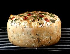 Amazing One Pot Tabbouleh Bread. The dough is mixed, risen and baked in one pot! You can mix in anything you like. I mixed in bulgur, lemon zest, garlic and other tabbouleh ingredients for this one pot tabbouleh bread! Bread Recipes, Baking Recipes, Jacque Pepin, Savoury Baking, Vegan Bread, Bread And Pastries, Mets, Artisan Bread, Snacks