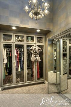 When you are thinking about redoing your home, one aspect that you should carefully consider redoing is the closet. The problem is you may not know the benefits of using the dream closets designs to Walk In Closet, Closet Space, Glam Closet, Dressing Room Closet, Dressing Rooms, 3 Way Mirrors, Closet Vanity, Vanity Room, Beautiful Closets