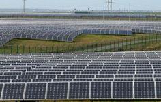 Китай, Німеччина та десяток іноземних інвесторів прагнуть перетворити Чорнобиль на сонячний парк http://ecotown.com.ua/news/Kytay-Nimechchyna-ta-desyatok-inozemnykh-investoriv-prahnut-peretvoryty-CHornobyl-na-sonyachnyy-park/  Китай, Німеччина та десяток іноземних інвесторів прагнуть перетворити Чорнобиль на сонячний парк