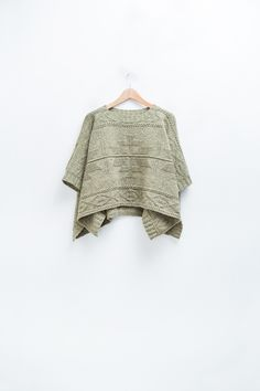 Nomad poncho by Norah Gaughan                                                                                                                                                      Mehr