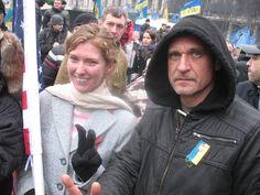 Paweł Kukiz Śpiewa Na Majdanie Nowa Pieśń Dla Wolnej Ukrainy!  http://sowa.quicksnake.cz/goEast-Festival/Igor-dzwoni-do-radia-erekcja-na-widok-Kaczynskiego-PIS