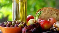 A dieta Mediterrânea, comprovadamente, é muito eficaz. Vamos?