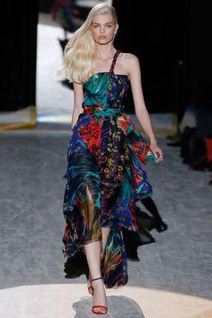 Salvatore Ferragamo Spring 2012 Ready-to-Wear Fashion Show - Daphne Groeneveld