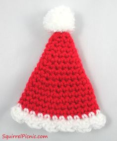 Miniature Santa hat free crochet pattern. A cute ornament for your Christmas tree.