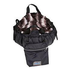 Aus der Kategorie Boxen & Tragetaschen gibt es, zum Preis von EUR 233,00   napidoo Hundetasche Hundebett  Hundekörbchen in Form einer sportlichen Tasche mit zwei Schubfächern. Das Außenmaterial besteht aus strapazierfähigem Nylon. Den Innenbezug wählen Sie aus vielen schönen Farben und Stoffarten. Ein abnehmbarer und verstellbarer Schultergurt verbessert den Tragekomfort. Gemütlicher Baumwollstoff kleidet die Liegefläche des Hundekörbchens aus.  Die Schubfä...