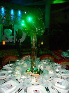 CBC185 Weddings Riviera Maya xcaret/ bodas / centro de mesa alto con palmas/ centerpieces with palms
