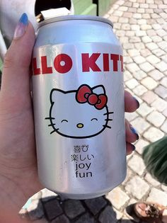Hello Kitty soda can