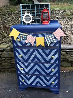 Nautical Neil: A Fun Dresser Redo! Not the color, but I like the solid color with chevron stripes on the drawers. Chevron Dresser, Blue Dresser, Nautical Dresser, Refurbished Furniture, Painted Furniture, Furniture Redo, Upholstered Furniture, Furniture Ideas, Shabby Chic Boutique