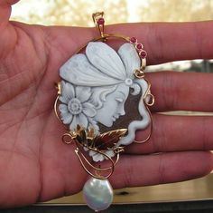 ANTIQUE STYLE HAND CARVED SHELL CAMEO PENDANT ITALY NATURAL PEARL