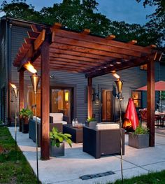 How To Build The Perfect Pergola! • Great Ideas and Tutorials! - Love this contemporary pergola!