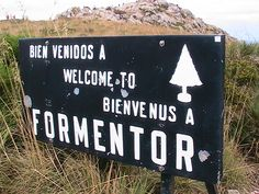 formenteor Signs, Home Decor, Homemade Home Decor, Shop Signs, Sign, Decoration Home, Dishes, Interior Decorating
