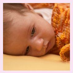 Dein Baby kann nicht einschlafen? Finde hier Tipps, was Du tun kannst.
