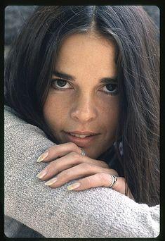 Actress/model, Ali MacGraw (Love Story, Goodbye Columbus), was born Apr. 1, 1939.