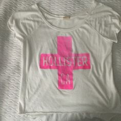 Hollister tee Hollister tee with logo Hollister Tops Tees - Short Sleeve
