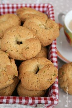 Great Italian Recipes For Dinner - Popular Italian Dishes Recipes - ? Biscotti Biscuits, Biscotti Cookies, Galletas Cookies, Italian Cookies, Italian Desserts, Italian Recipes, Italian Dishes, Biscuit Dessert Recipe, Easy Dinner Recipes