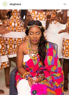 Dearest Lovebirds, What a way to style yourselves with Kente combined with Velvet? Have you seen people dress gorgeously with Kente and Velvet? Trust us, we know what makes you look cute. African Wear, African Women, African Dress, African Outfits, African Clothes, African Attire, African Style, Ghana Traditional Wedding, African Traditional Wedding Dress