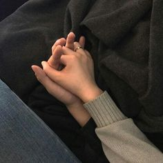 Find images and videos about love, couple and goals on We Heart It - the app to get lost in what you love. Cute Couples Goals, Couple Goals, Cute Relationships, Relationship Goals, Mains Couple, Couple Holding Hands, Hand Holding, Applis Photo, Love Is In The Air