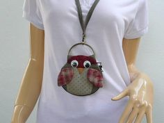 Owl Keys Pouch with internal slip pocket that is perfect for carrying your ID card, Debit Cards and some cash.