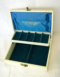 Vintage Ivory Jewelry Box  MELE  Midcentury by TheVintagePeacocks, $18.00