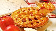 三つ編みがキュート♩リンゴがたっぷり詰まった絶品アップルパイの作り方 - macaroni