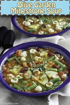 The best homemade minestrone soup loaded with healthy vegetables. It's so easy to make with this Olive Garden copycat recipe. Find soup cooking tips and flavor variations. #copycat #olivegarden #vegetarian #veganfood #souprecipe #minestrone #italianrecipes #cookingtips Copykat Recipes, Soup Recipes, Cooking Recipes, Healthy Recipes, Cooking Tips, Chicken Recipes, Cat Recipes, Healthy Food, Copycat Soup Recipe