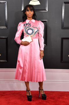2017 Grammy Awards — Adele, Beyoncé and All the Red Carpet Fashion You Need to See! Celebrity Outfits, Celebrity Style, Celebrity Gossip, Celebrity News, Adele, Beyonce, Grammys 2017, Vogue, Celebrity Red Carpet