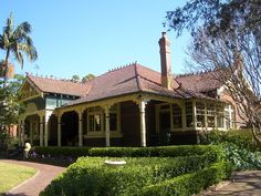 """""""Caso Tasso"""", Federation Bungalow style, characterised by the prominent verandah Beautifully detailed timber verandah posts with portico at the front door, and very interesting window treatment on the North West wall. Traditional Exterior, Traditional House, Edwardian Haus, Appian Way, Australia House, Sydney Australia, Australian Garden, Australian Architecture, Beautiful Buildings"""