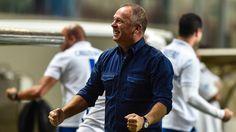 Mano valoriza comportamento da equipe e da torcida na vitória sobre o Grêmio - ESPN.com.br