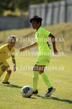 IKPhoto Leo, Soccer, Baseball Cards, Sports, Hs Sports, Futbol, Sport, European Football, Lion