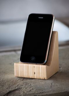 Charging Stationiphone HolderDocking by 50SplintersWoodworks