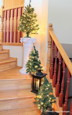 Stairway @ http://brownpaperpackagesep.blogspot.com/2011/12/christmas-home-tour-2011.html