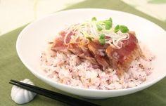 鰹のステーキ丼 How To Boil Rice, Grains, Recipes, Food, Essen, Meals, Ripped Recipes, Seeds, Eten