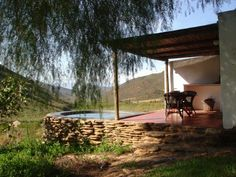 Tierhoek cottages, offering romantic, self-catering cottages nestled at the foot of the Langeberg mountains.